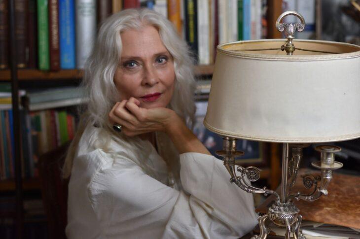 Isabel Russinova, drammaturga e attrice in difesa del femminile