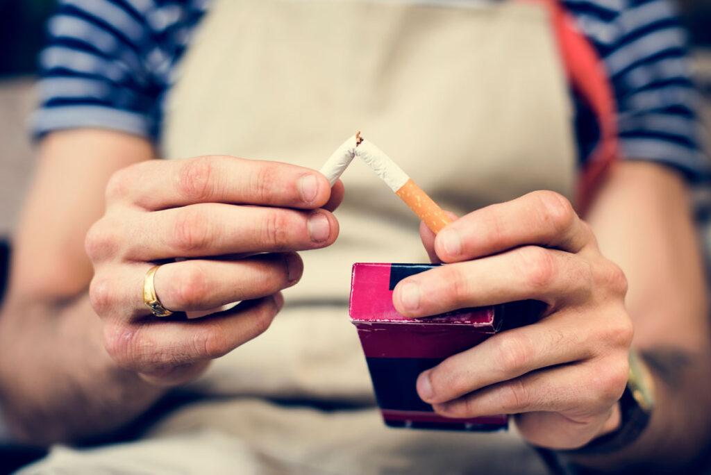 le donne trovano più difficile smettere di fumare